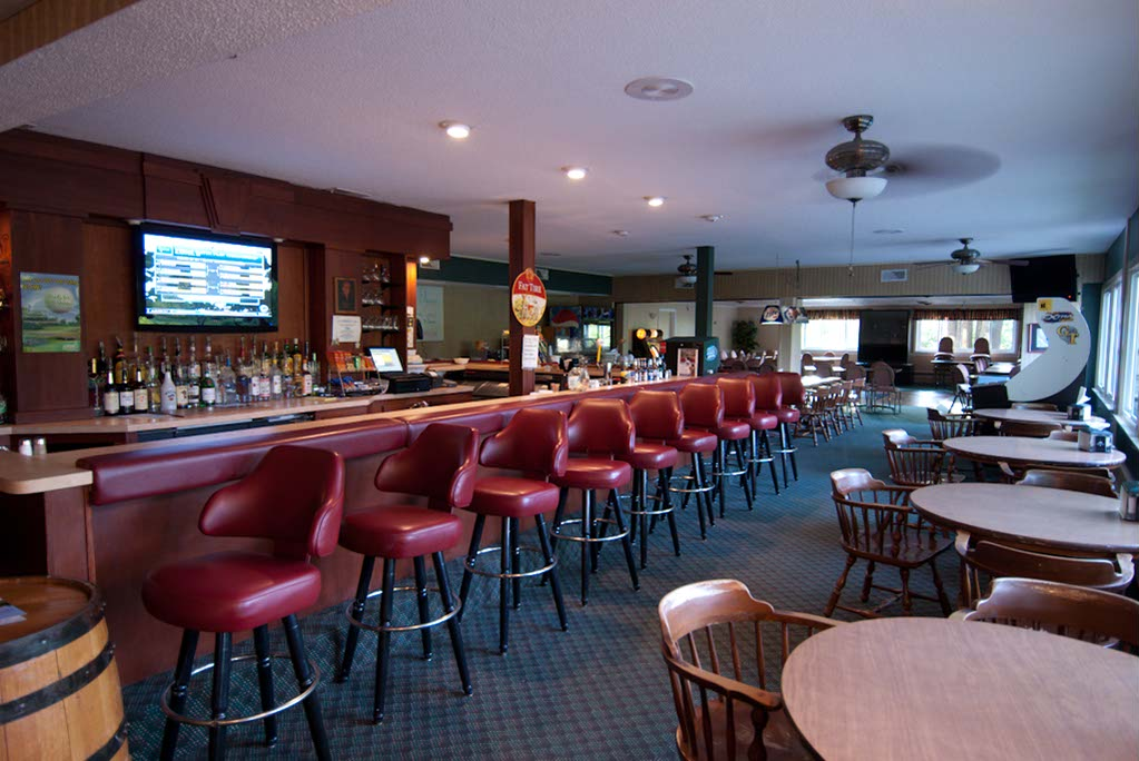 The Edgwood Golf Club party room